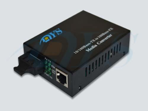 10M / 100M Optical Fiber Media Converter With FX 100 / FX Link